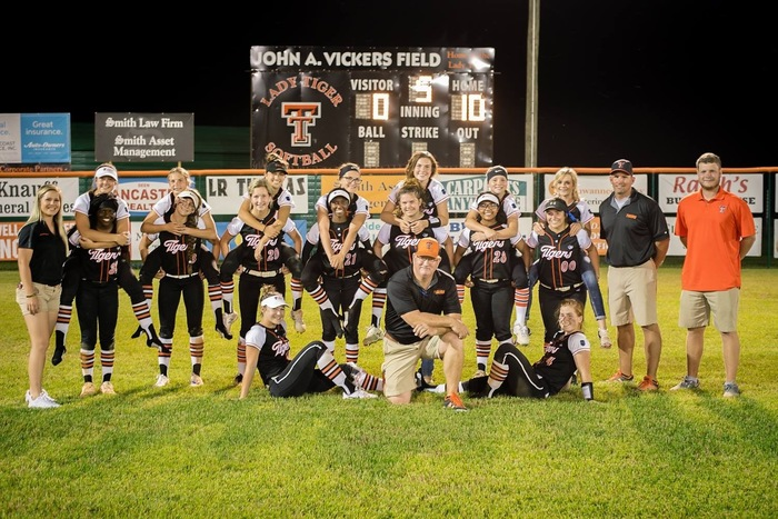 Lady Tiger Softball Team