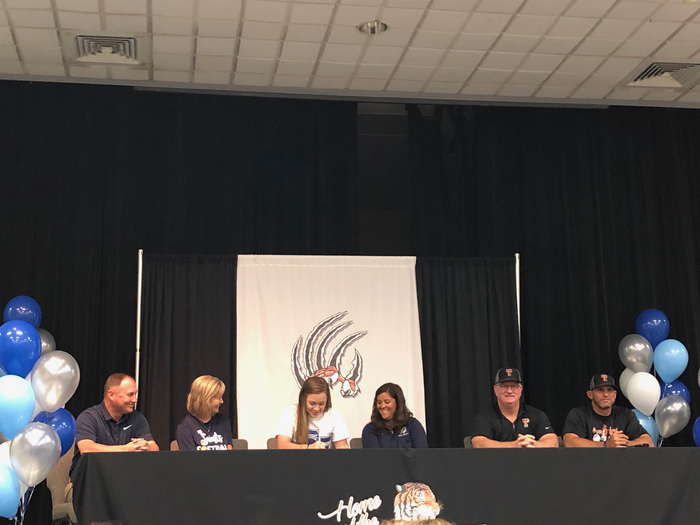 Grace Guthrie signs with Santa Fe College